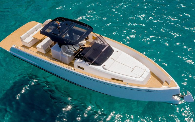 Yacht charter captains available for day charters french riviera