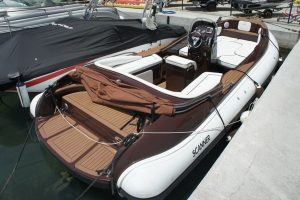Rent a boat in Mallorca with the Scanner 710