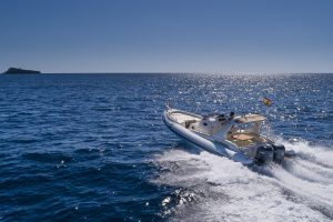 Have a fun fillled day out on the Lomac 1000 rib charter in Mallorca