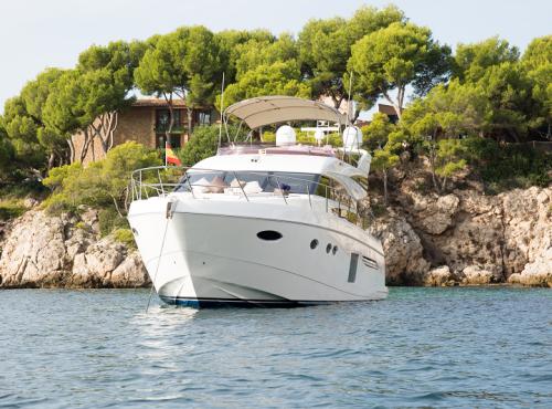 Luxury Yacht Charter – Princess 64