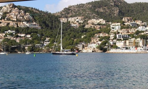 Hire a beautiful yacht charter in Port d'Andratx