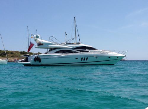 Luxury Yacht for sale – Sunseeker Manhattan 74
