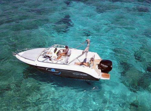 Boat hire in Ibiza – Pacific Craft 700 Day Cruiser