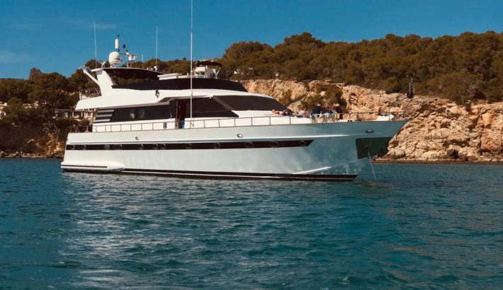 Amazing offer on a luxury yacht charter in Mallorca!