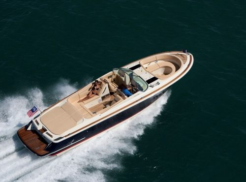 Elegant boat charter Ibiza – Chris Craft 32