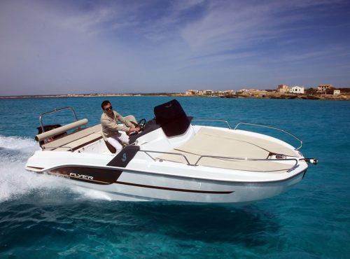 Day boat hire in Ibiza – Beneteau Flyer 6.6