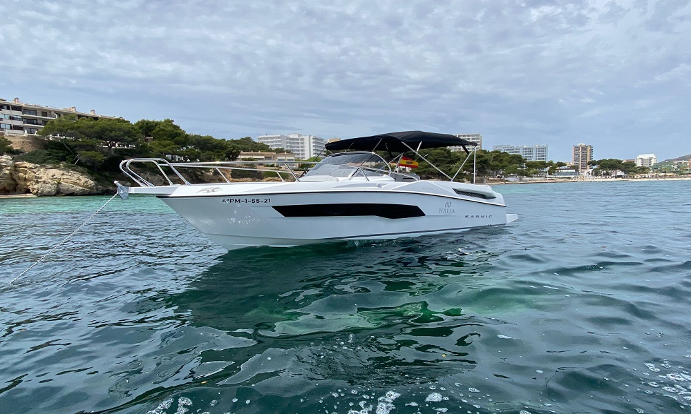 Rent a boat in Mallorca this summer