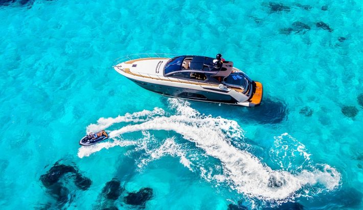 Head out on the water in style this summer!